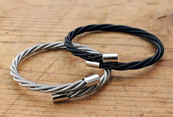 Браслеты из струн: идеи подарка для музыканта