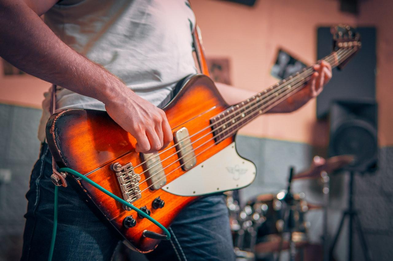 Правила и характеристика настоящего басиста