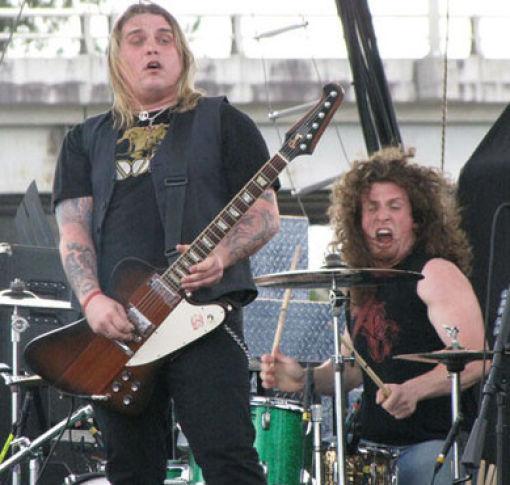 Забавные лица гитаристов во время игры - 2